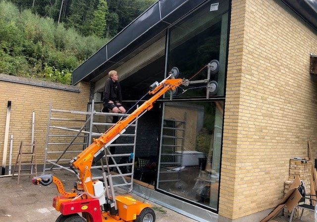Nye vinduer ved Tømrerfirmaet J.O. og Vaaben